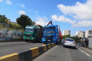 foto ansamblu de vehicule incident pe calea sighisoarei