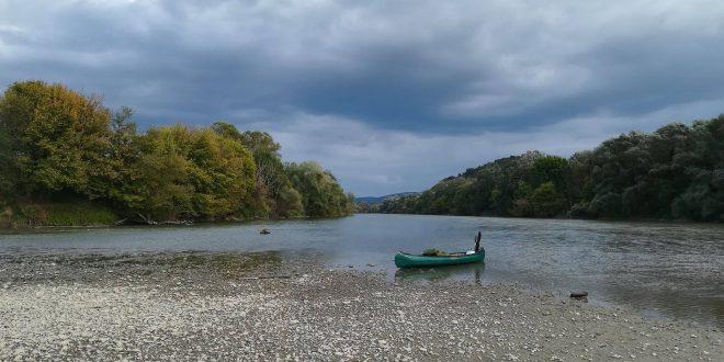 expeditie-de-canoe-si-bushcraft-pentru-mureseni