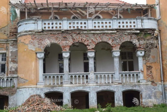 castelul-din-zau-de-campie-are-nevoie-de-1-milion-de-euro-pentru-restaurare