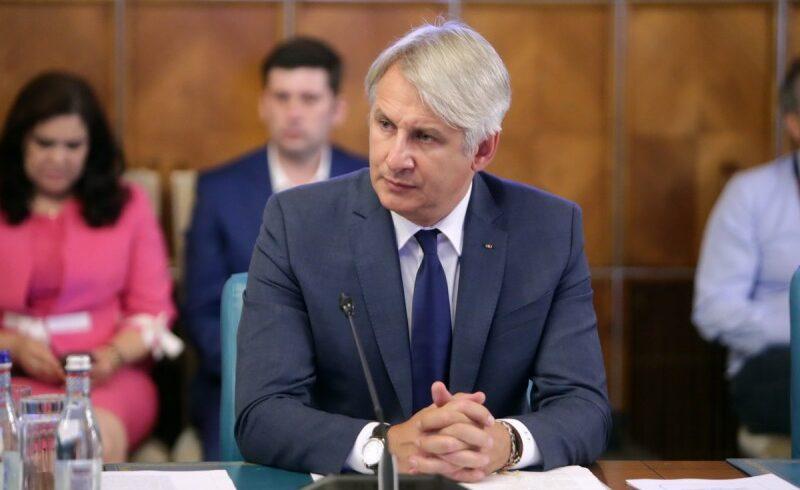 patru mii de functionari publici vor fi instruiti in baza unui program cu finantare europeana