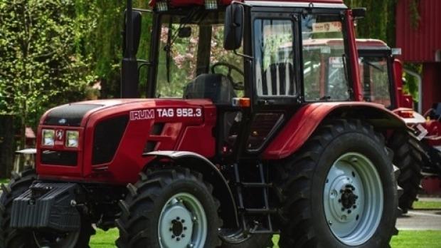 primul tractor 100 romanesc la reghin