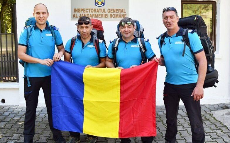 patru-jandarmi-brasoveni-vor-arbora-tricolorul-pe-cel-mai-inalt-varf-din-europa