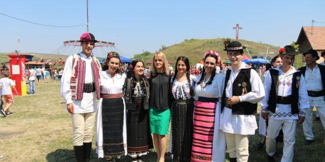 """festivalul-concurs-national-de-folclor-pentru-tineri-interpreti-""""in-memoriam-vasile-contiu"""",-la-cea-de-a-viii-a-editie"""