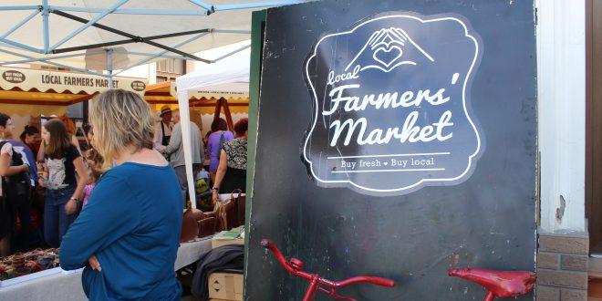 iulie-fara-plastic-la-local-farmers'-market