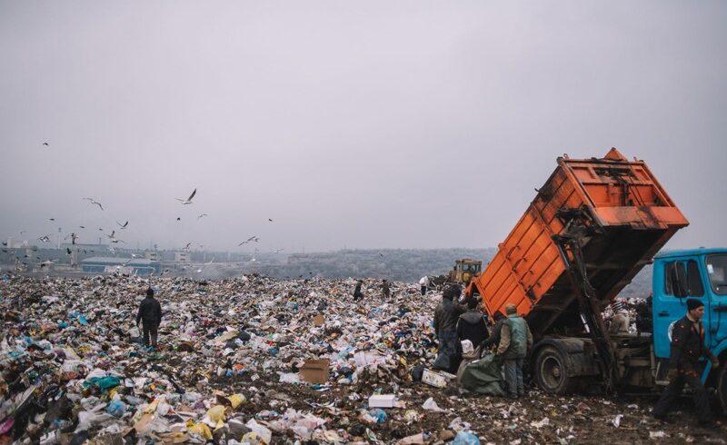 bani pentru inchiderea gropilor de gunoi din jud brasov