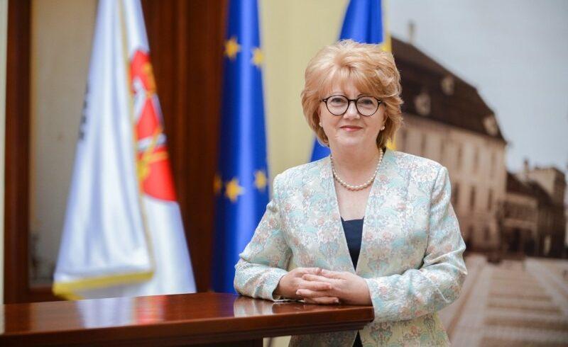 fostul primar al municipiului sibiu astrid fodor incearca sa revina in functie