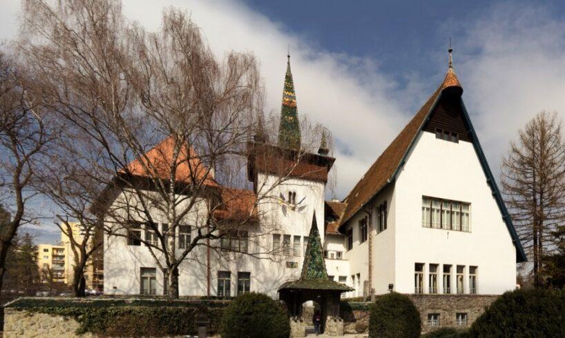 s-a-semnat-contractul-pentru-reabilitarea-muzeului-national-secuiesc