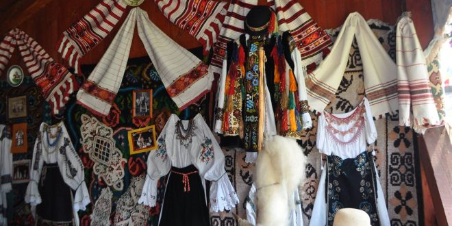 programul-complet-in-acest-weekend-festivalul-vaii-muresului-sarbatoreste-15-ani-de-traditii-alaturi-de-invitati-de-exceptie.