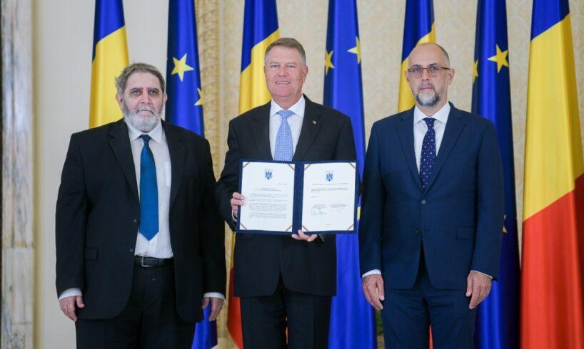 udmr si grupul parlamentar al minoritatilor nationale au semnat pactul national initiat de presedintele klaus iohannis