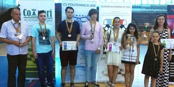 cinci-medalii-cucerite-de-echipele-sahistilor-mureseni-la-nationale