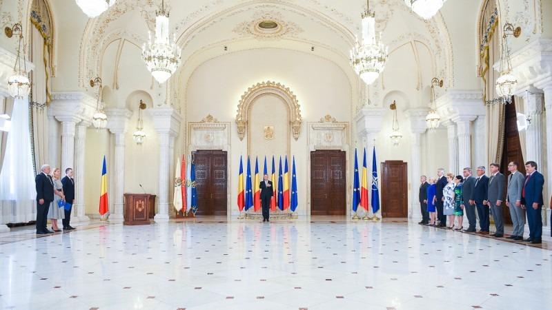 noii-ministri-au-depus-juramantul-la-palatul-cotroceni