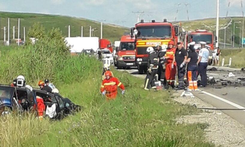 acum accident grav cu victime multiple pe dn15 foto