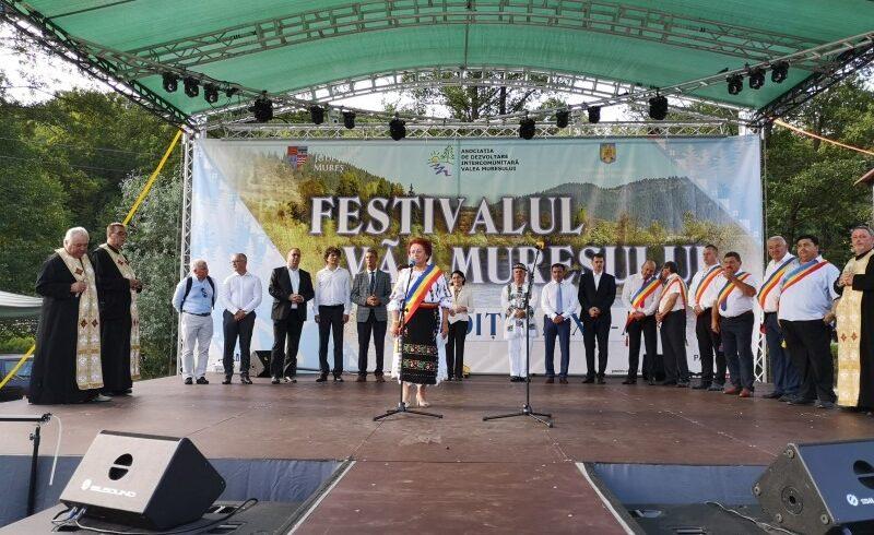 festivalul-vaii-muresului-este-in-plina-desfasurare