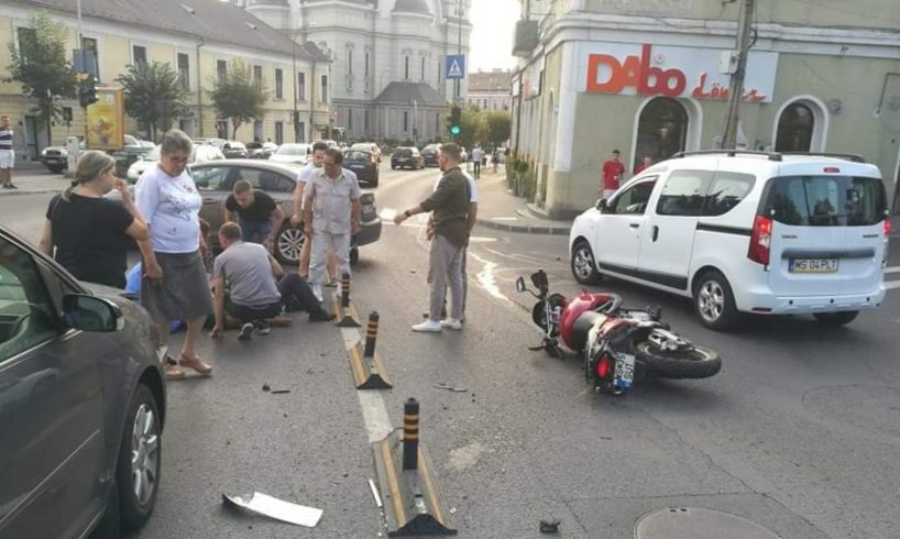 azi.-motociclist-bagat-in-spital-de-un-sofer-neatent!