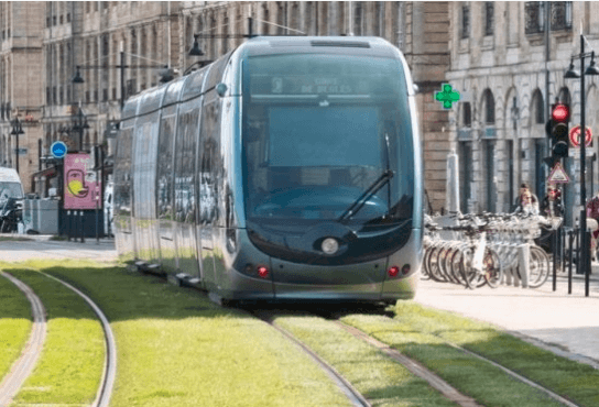 idei-pentru-mures:-a-fost-semnat-al-doilea-mare-proiect-de-reabilitare-a-infrastructurii-de-tramvai-la-iasi