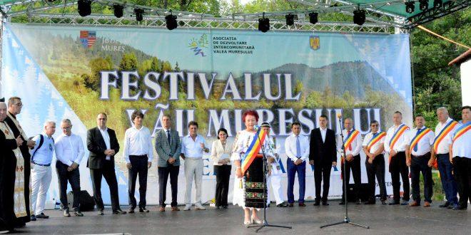festivalul-vaii-muresului-superior,-de-15-ani-in-slujba-traditiilor-si-obiceiurilor