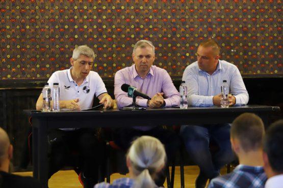baza-sportiva-a-academiei-de-fotbal-fk-csikszereda-la-targu-mures