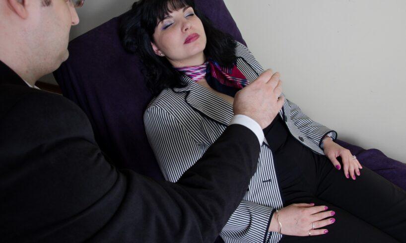 premiera:-cursuri-de-hipnoterapie-medicala-si-medicina-subconstientului-la-umfst-targu-mures