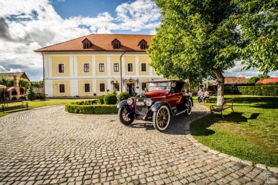 renovarea castelului haller a reinviat satul ogra din transilvania