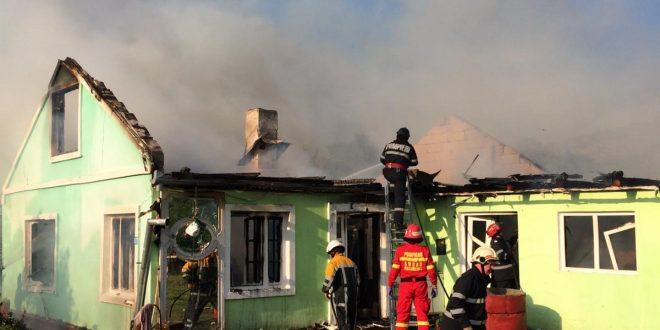 foto:-casa-in-petrilaca,-arsa-din-temelii