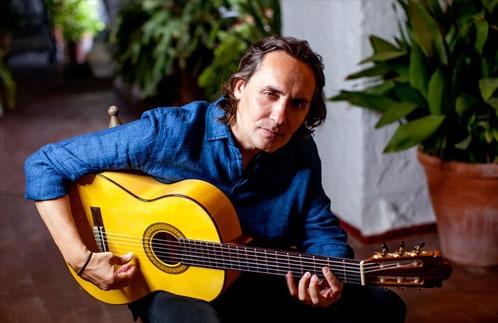 unul-dintre-cei-mai-celebri-chitaristi-ai-lumii-concerteaza-la-targu-mures