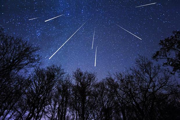 ploaie de meteori spectaculoasa in urmatoarele doua nopti