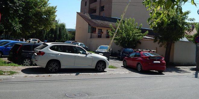 locuri-noi-de-parcare-la-poli-2