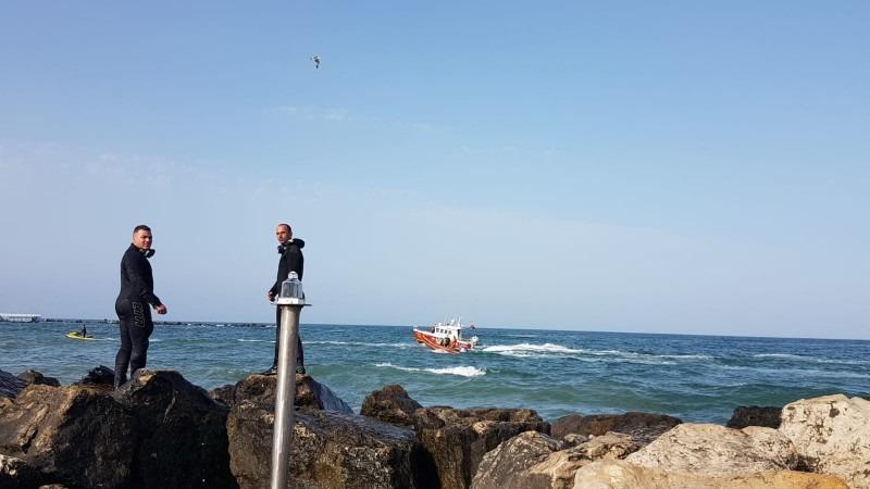 scafandrii isu constanta cauta doua persoane care ar fi disparut in mare la olimp si tuzla