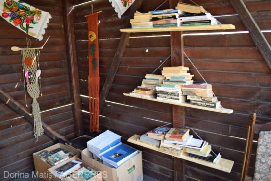 participantii la festivalul vaii gurghiului invitati sa doneze cate o carte pentru bibliotecile comunale