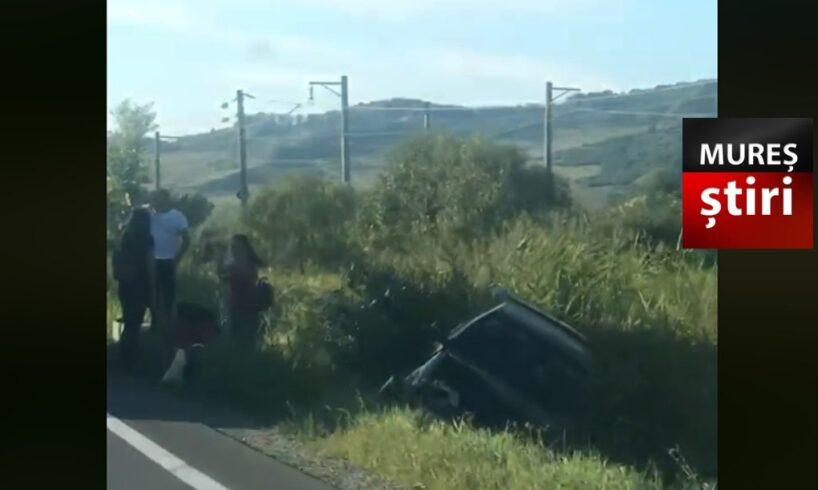 acum o masina a ajuns in sant in urma unui accident pe dn13 foto