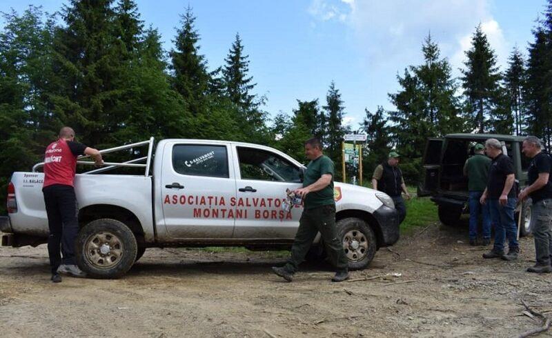 un grup de patru turisti rataciti in muntii rodnei pe aria parcului national au fost recuperati de jandarmii montani