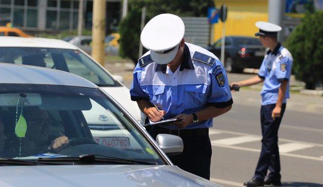 politia muresean prins la volanul unei masini radiate