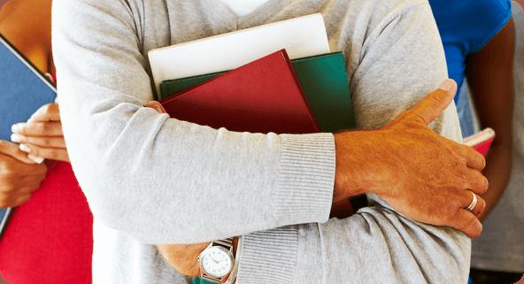 info se angajeaza 13 profesori platiti cu ora