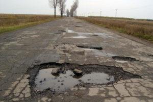 consiliul-judetean-brasov-a-semnat-astazi-un-alt-contract-asteptat-cu-nerabdare-de-zeci-de-mii-de-locuitori-din-tara-fagarasului