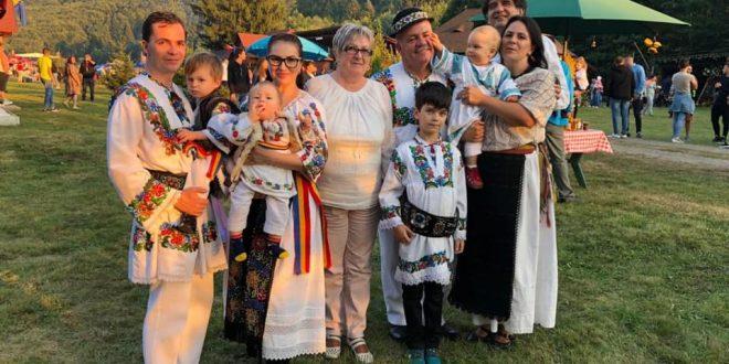vasile gliga mereu acasa la festivalul vaii gurghiului