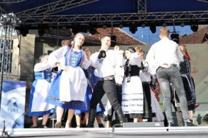 foto:-festivalul-intercultural-proetnica-2019-va-insemna-5-zile,-600-de-participanti-si-20-de-comunitati