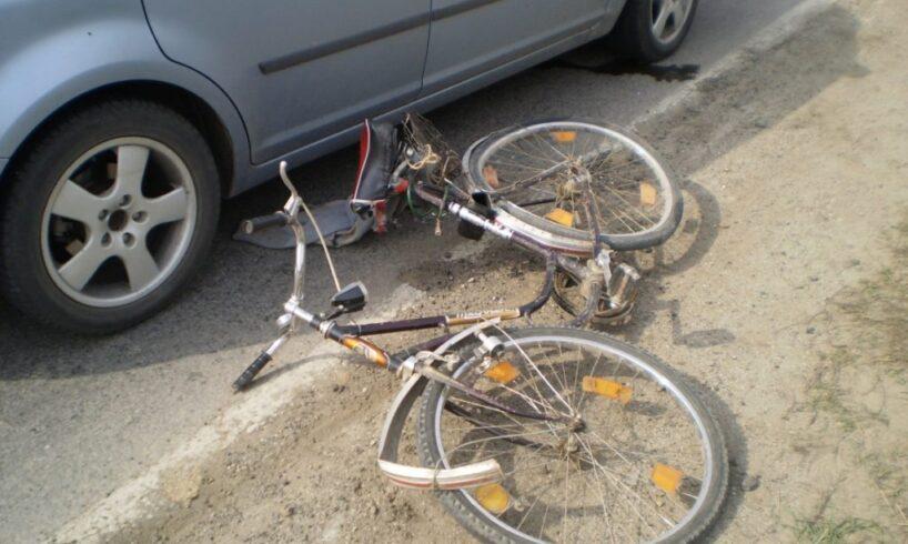 biciclist accidentat grav de un autoturism