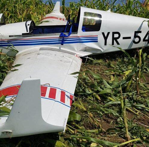un avion pilotat de un american a aterizat fortat la ceuasu