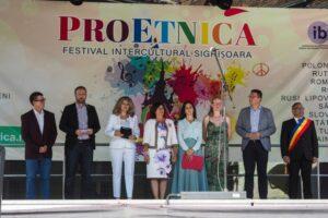 medalie-pentru-organizatorul-festivalului-interetnic-proetnica
