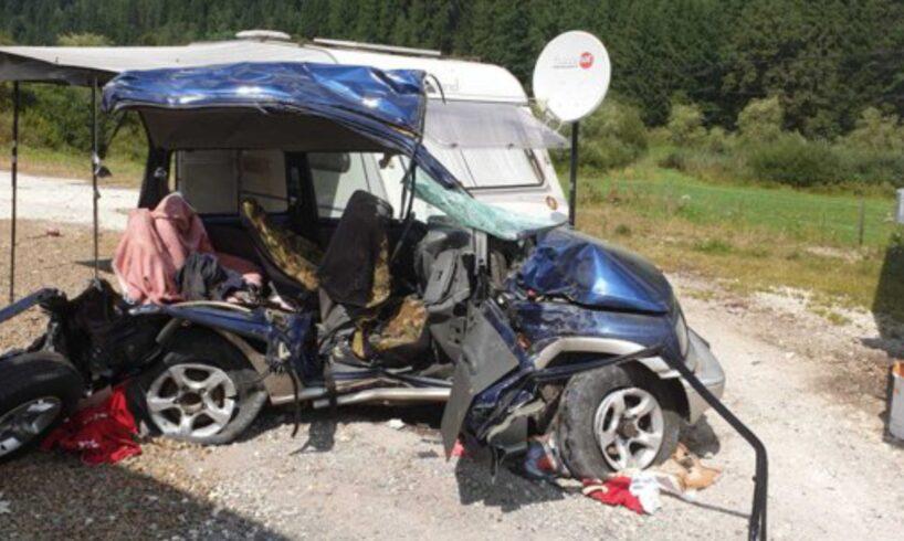 rip trei morti intre care si un copil in urma impactului frontal dintre un autoturism si un tir pe dn15