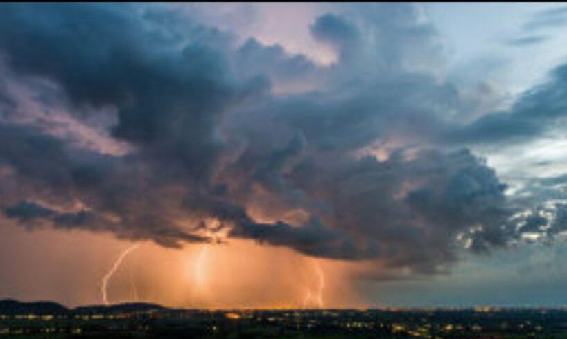 alerta meteo cod galben de ploi torentiale vant in rafale si grindina in mures