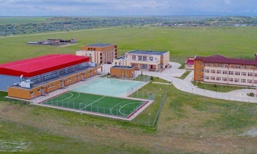 foto campus scolar modern construit cu bani europeni