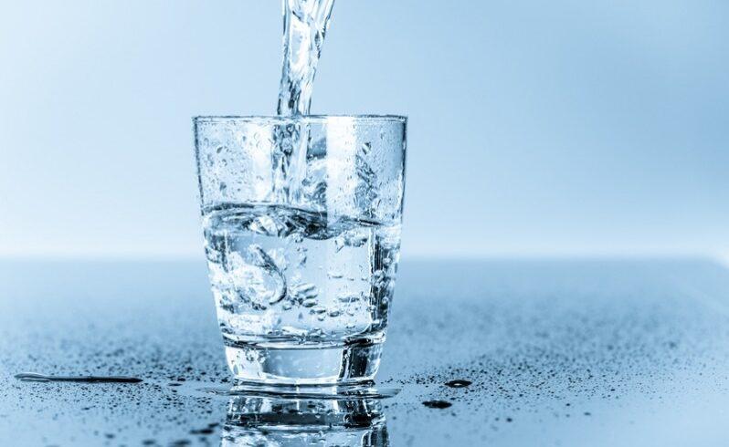 peste 37 milioane litri de apa minerala naturala comercializate nu respect prevederile privind protectia consumatorilor