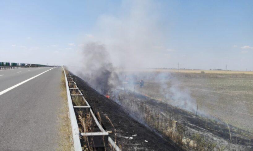817 atentie soferi incendiu de vegetatie pe autostrada a2