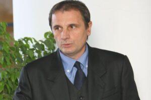 cj mures plateste de 6 ani salariul unui fost director general al aeroportului transilvania