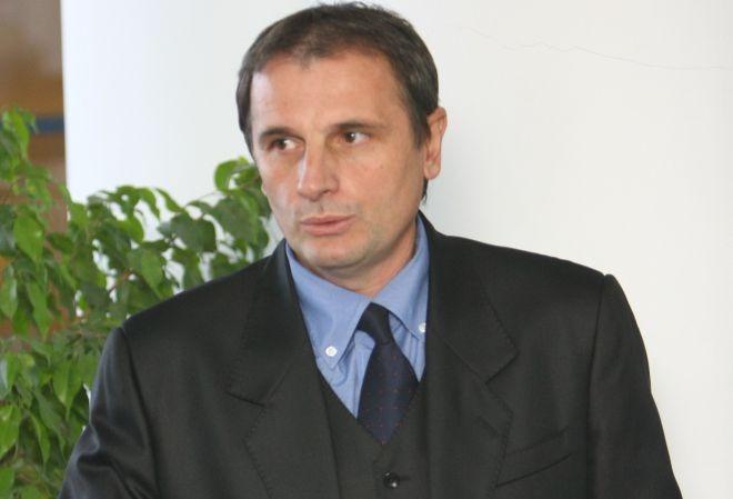 cj-mures-plateste,-de-6-ani,-salariul-unui-fost-director-general-al-aeroportului-transilvania