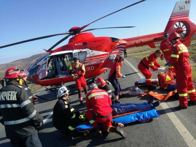 acum.-accident-cu-4-victime,-una-ramasa-incarcerata!-interventie-cu-elicopterul