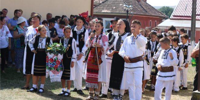 foto pledoarie pentru traditii la fiii satului saulia 2019