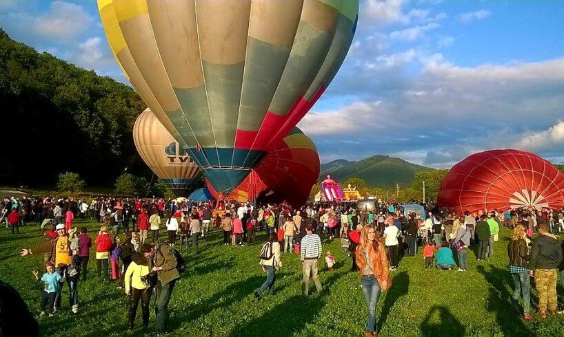 festivalul baloanelor cu aer cald de la campul cetatii a xiv a editie