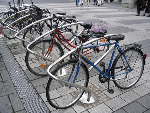parcarile pentru biciclete obligatorii pentru companii si institutiile publice